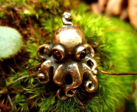 New - Bronze Garnet Eyed Octopus