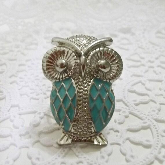 Who-who-who do ya love.....adjustable owl ring (Light Blue)