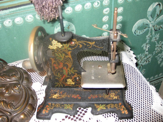 Antique Toy Childs Sewing Machine Made in Germany Works Collectible Toys