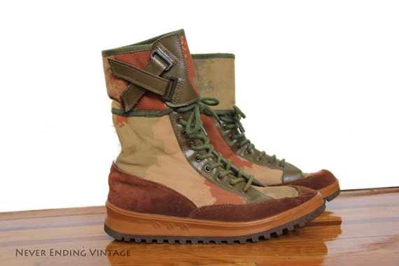 RESERVED FOR JESSE- Vintage Unisex Camo Boot Sneakers - Size 9