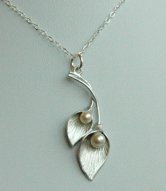 Sterling Silver Calla Lilly Pearl Flowers Necklace,Bridesmaids Necklace,Wedding Bridal Bride Necklace