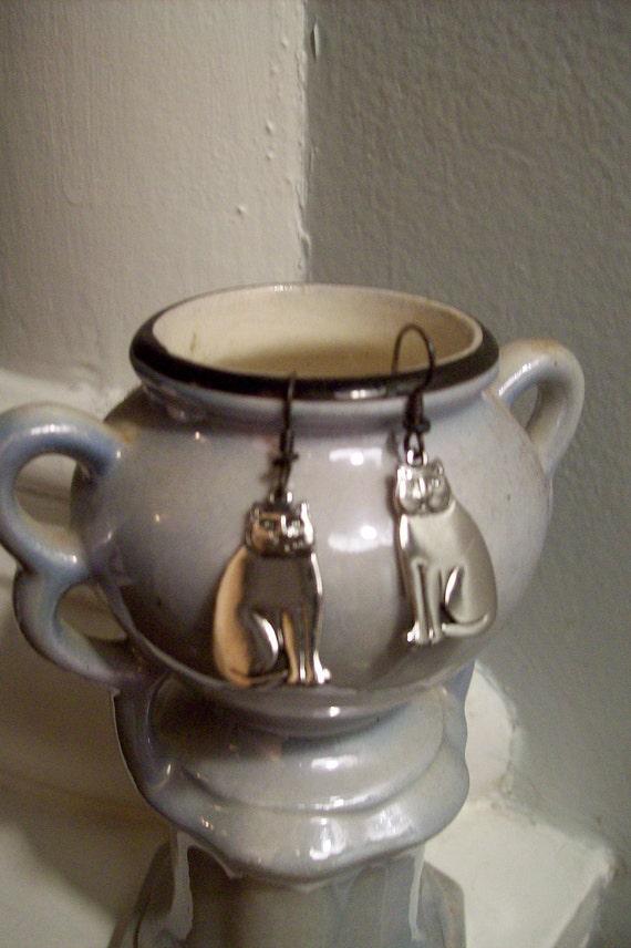 vintage happy cat earrings ... signed on silver ... Laurel Burch style