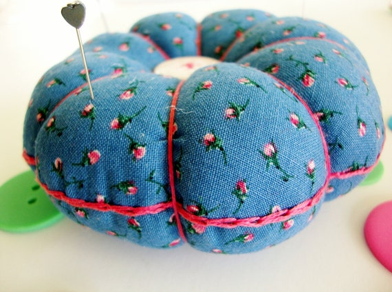 Pincushion - Flower Pincushion - FREE PINS - Sewing Supplies - Pin Cushion