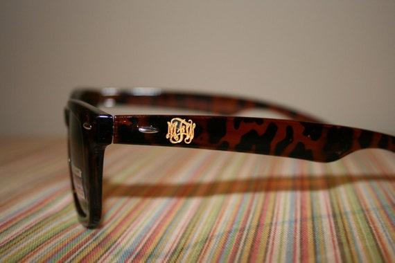 Engraved Wayfarer Sunglasses with Script Monogram