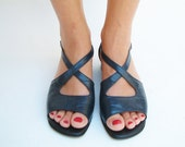vintage navy blue leather flat sandals shoes size US 9 EUR 40 UK 6.5, Made in Italy