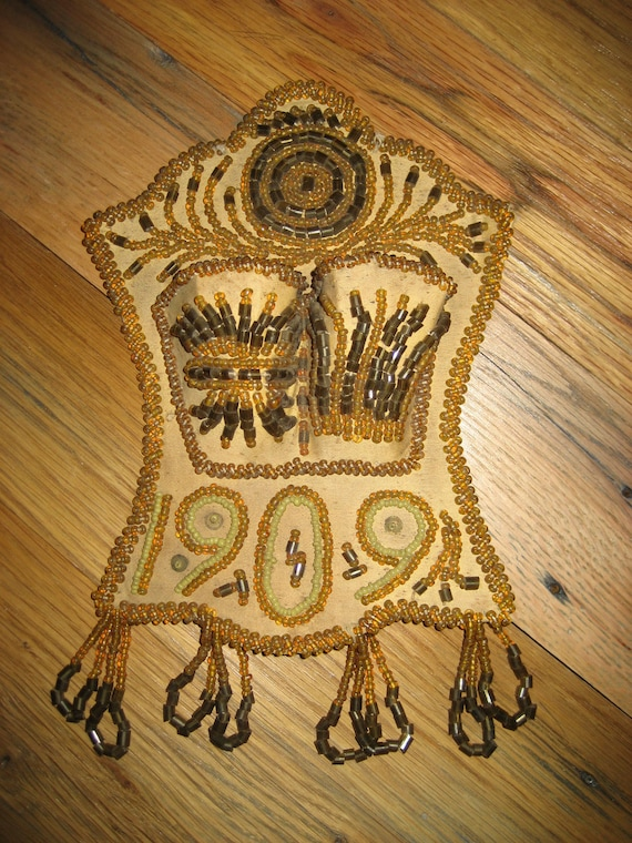 Iroquois Indian Hand Beaded Cloth 1909 Wall Decor from Niagara Falls Western American  Indian Antique Collectable
