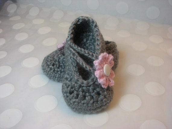 Baby Infant Girl Shoes Mary Jane Gray Crochet Cross Strap  Shoes with Daisy