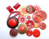 18 Red and Maroon Vintage Bakelite and celluloid Buttons (Free Shipping int he USA)