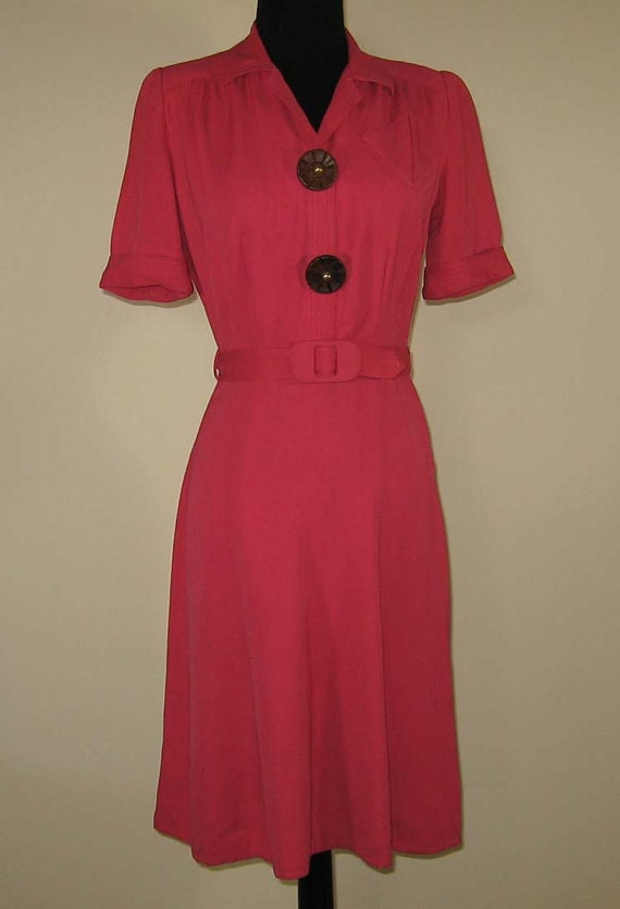 Vintage 1940s pink cotton dress with unusual wooden buttons