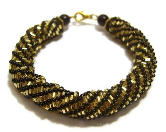 Beaded Bracelet: Black and Gold, Seed Bead Bracelet, Spiral Bracelet, UK Seller