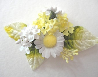 Flower Hair Clip, Wedding Hair Clip, Bridal Hair Accessory, Daisy Hair Clip, Yellow and White Vintage Flowers, Brides, Festival Hair Clip