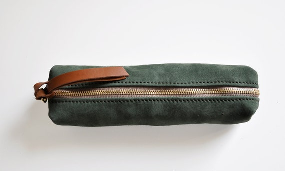 Daisy - green leather pencil case
