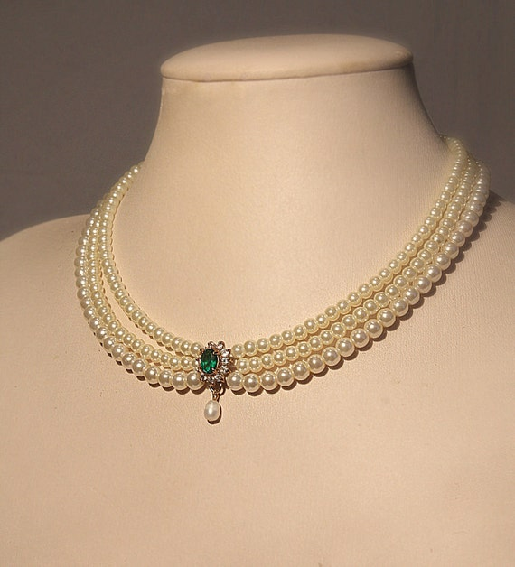 Bridal Necklace Emerald Green Stone Vintage Pearls