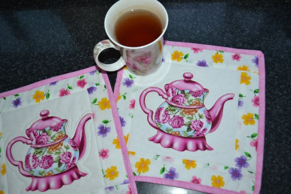 Pair of Holiday Gift Mug Rug Coaster Table Topper Hot Pink Teapot
