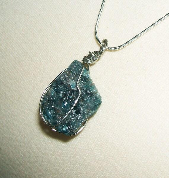 Blue APATITE Necklace NATURAL Stone New Age MEDITATION Creativity MetaPhysical Energy
