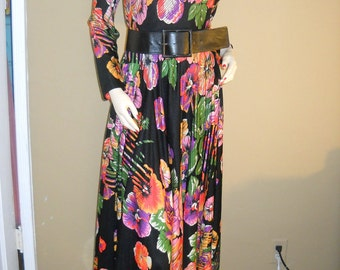 Now on Sale---Vintage GEOFFREY BEENE Boutique mulit-print dress