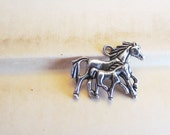 20 WHOLESALE Silver Charms - Antique Silver - Horse With Foal - 28x23mm - Ships IMMEDIATELY from California - SC39a