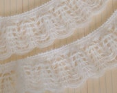NEW Vintage Cream Soft Scallop Lace Trim - 2 yards - Maya Road - SLT2078