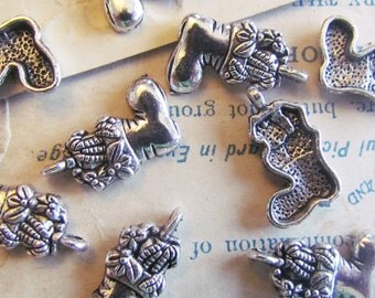 10 Christmas Stocking Charms Silver 20x13mm - Ships IMMEDIATELY from California - SC72