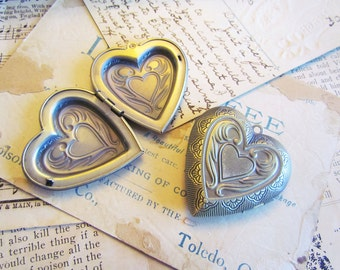 Antique Bronze Heart Locket LARGE 42x40mm - Ships Immediately from California - BC199