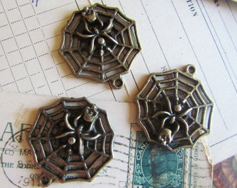 20 Spider Web Charms - WHOLESALE - Antique Bronze - 32x30mm - Ships IMMEDIATELY from California - BC218a