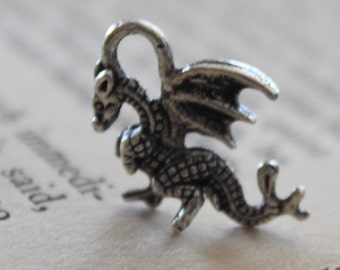 10 Silver Winged Dragon Charm Pendant 21x14mm- Ships Immediately from California - SC216