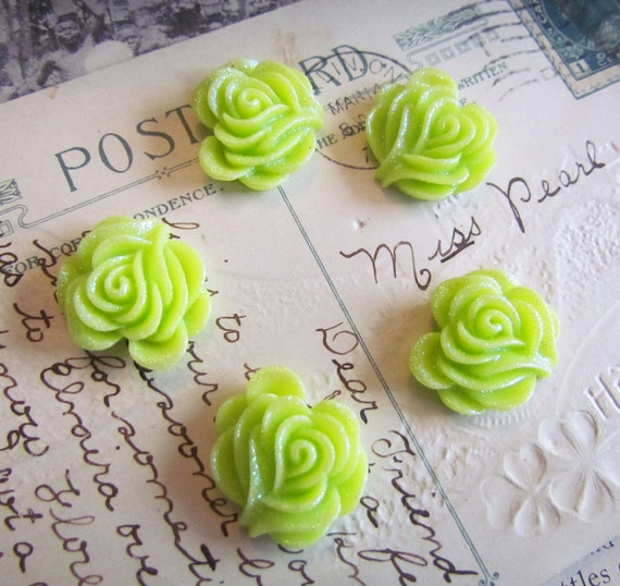 Cabachons Resin Flower in Green (Vivian Collection) 27x27mm 5pcs- Ships IMMEDIATELY from California - C13G