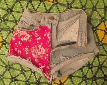 Hawaiian Flower Print High Waisted Vintage Levi Denim Shorts