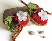 "Baby summer sandals ""Red Strawberry"", crochet baby shoes baby girls newborn  / size 0-3M"