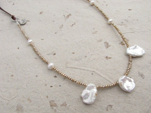 KESHI PEARL on LEATHER Necklace