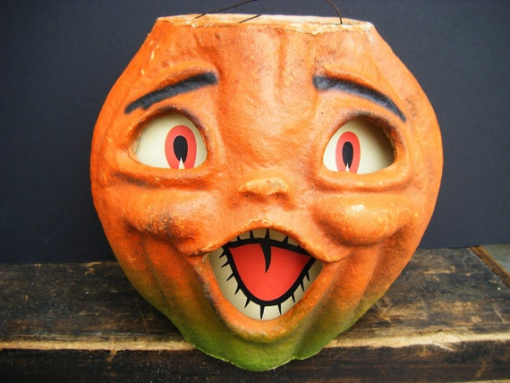 Large Vintage 1950's Halloween Jack-O-Lantern, made with Pulp Paper Mache