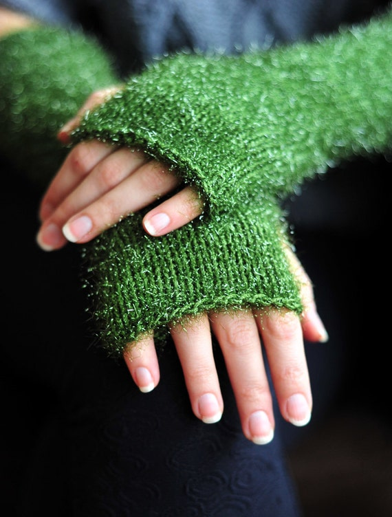 Green fingerless gloves.It is glitter and ready to wear