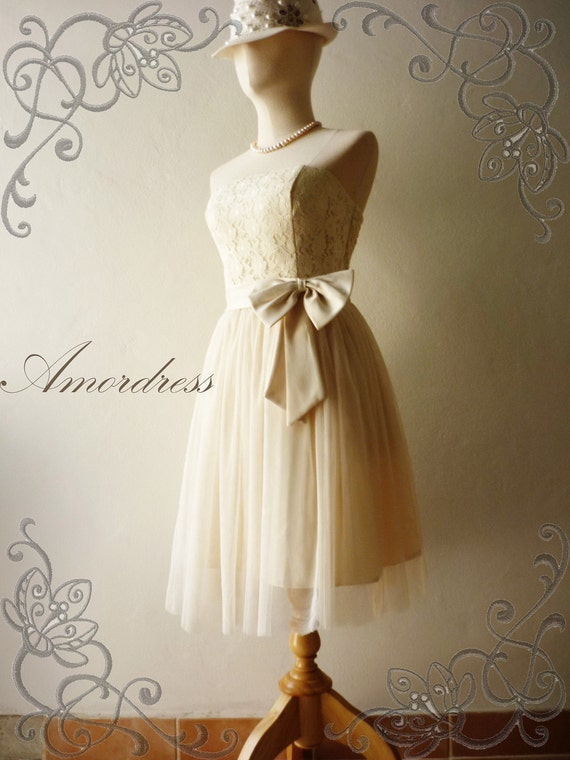 Amor Vintage Inspired- Princess Romance- Strapless Lace Tulle Formal Dress in White Cream for Wedding, Prom, Any Special Occasion- Fit S,M-