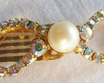 Hair comb with rhinestone and faux pearl vintage