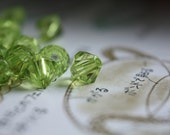 100 Bicone jeweled beads, Green 6mm beads // Crystal style beads // Ready to ship