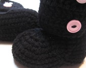 Crochet ankle boots.  Black with pink buttons.  Size 6 to 12 months, 12 months, 18 months, 24 months.  Made to order.  Black and Pink.