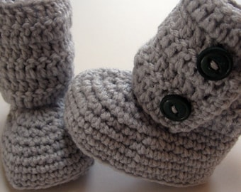 Crochet baby booties.  Infant and toddler ankle boots.  Baby booties for infants.  Baby booties for toddlers.  Made to order.