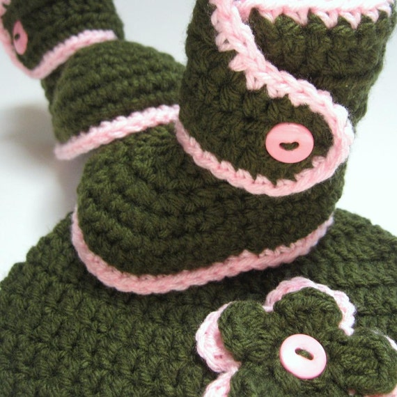 Baby hat and booties set.  Ready to ship.  Crochet in Green and Pink.  0 to 3 months.