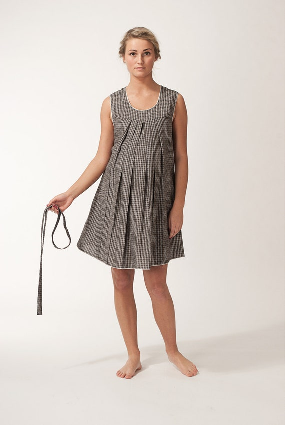 Elegant linen maternity dress