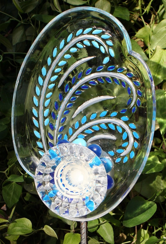 Garden and yard sun catcher recycled glass painted for for Recycled glass garden ornaments