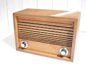 ward Electric desktop FM radio and MP3 player