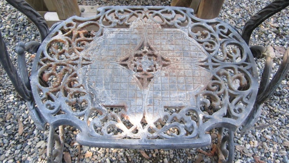 Vintage cast iron plant stand side table french  Beautiful