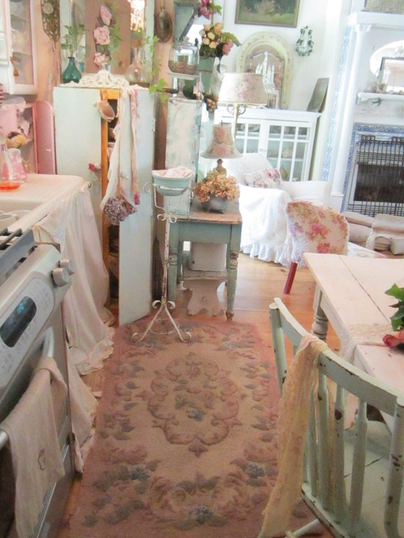 Fabulous shabby chic  pink wool  latch hooked rug with roses and scrolls shabby chic cottage chic