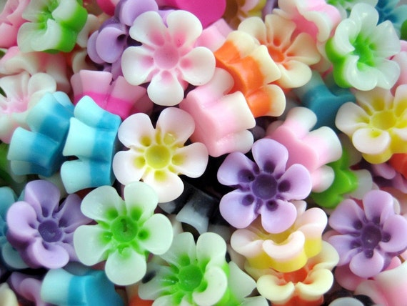 10 Pcs - Assorted Two-Toned Flower Cabochons - 13mm in Diameter, 5mm Thick