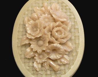 Handmade Artisanal Beeswax Ornament - WILDFLOWER OVAL