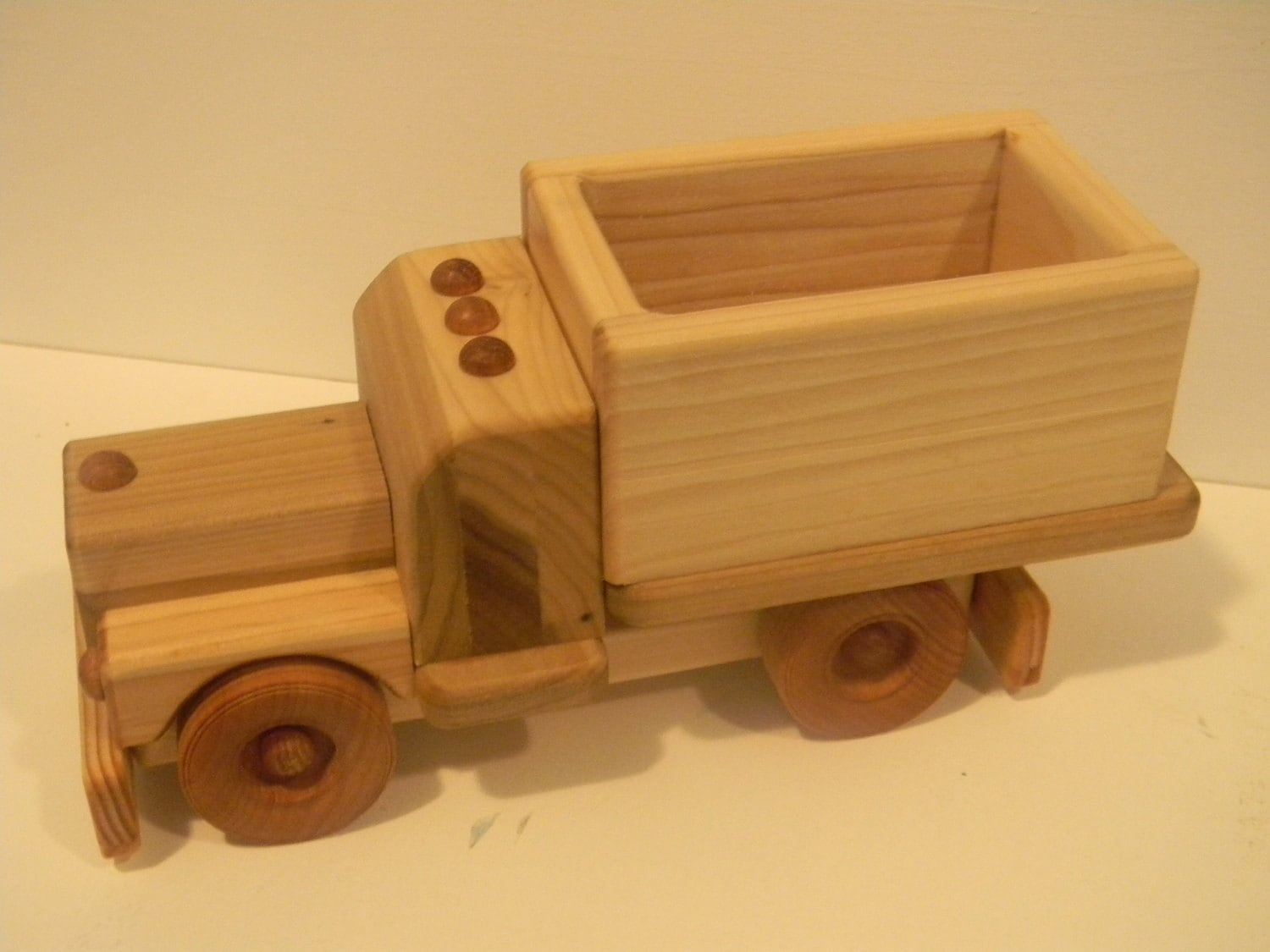 Beginner ideas: Free access Free wooden toy dump truck plans