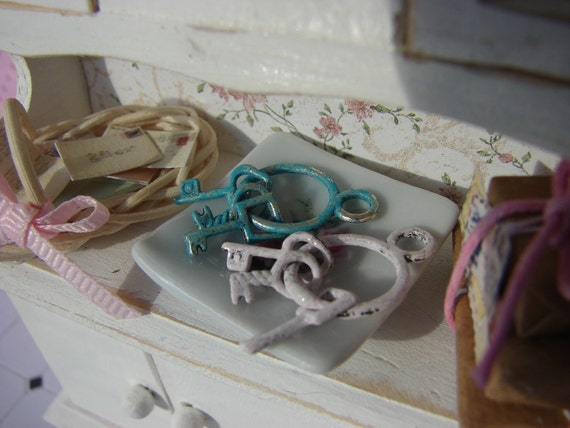 Dollhouse Miniature Set of Vintage Keys your Choice of Blue or Pink