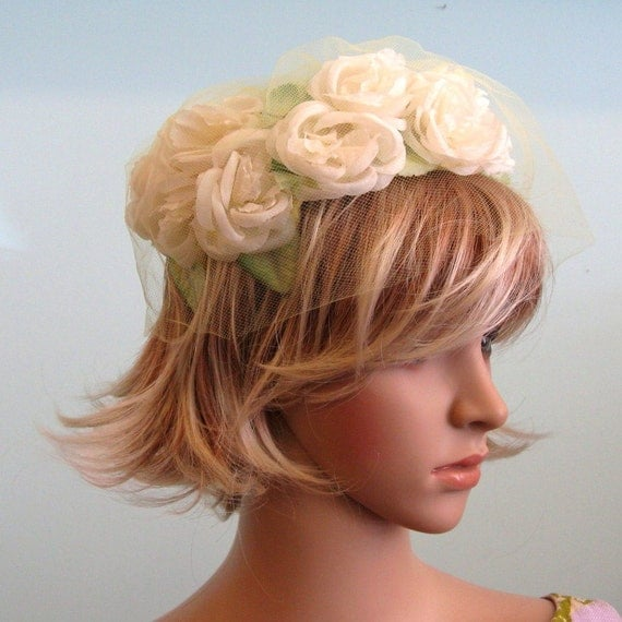 Early 1960s Spring Hat // White Flowers Yellow Netting // One Size