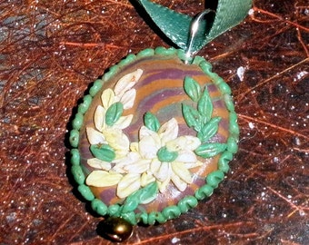 Polymer clay embroidery pendant - Sweet White Daisies