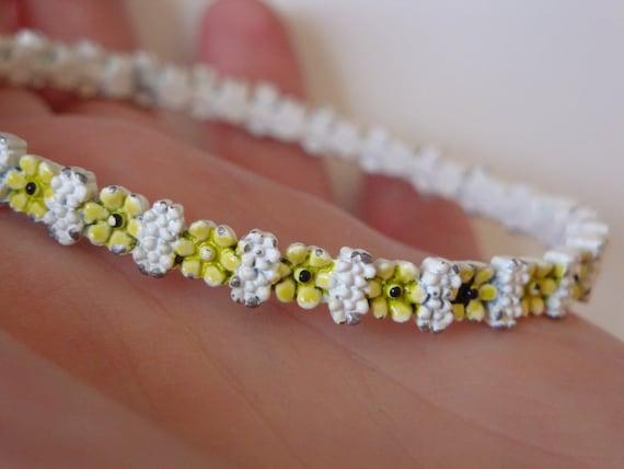 VINTAGE bracelet, 1960s-1970s Flower Bangle